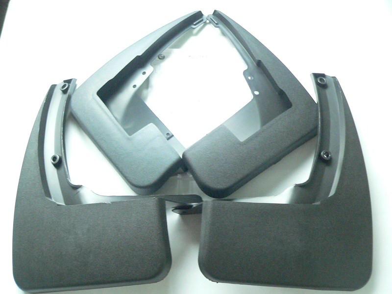 Брызговики для Mercedes-Benz GL-klasse GL350, GL450 2006-2012 с боковыми подножкамиБрызговики для Mercedes-Benz<br>Купить брызговики Мерседес-Бенц GLвысокого качества Вы можете в нашем интернет-магазине. Они не поддаются воздействию высоких и низких температур, выдерживают диапазон ±50°С, обладают гибкостью и высокой прочностью....<br>