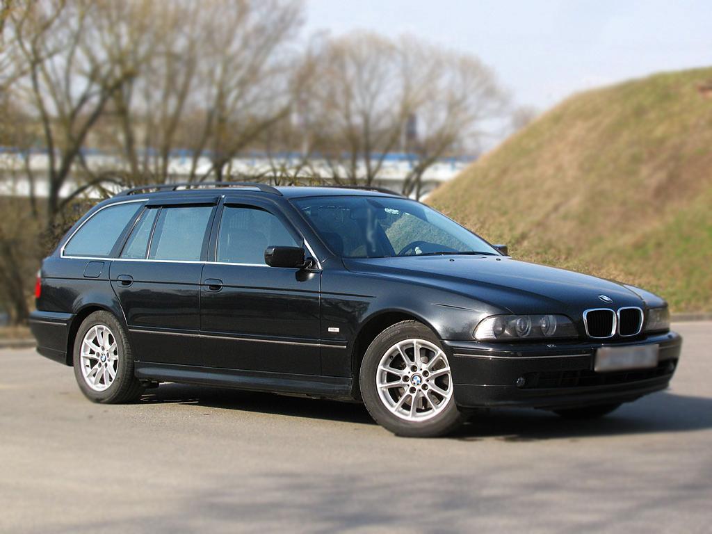 Дефлекторы боковых окон BMW 5er IV (E39) Рестайлинг Универсал 5дв. (2000-2003)Дефлекторы боковых окон<br>Дефлекторы боковых окон индивидуальны для каждого автомобиля. Продукция изготовлена с помощью точного компьютерного оборудования и новейших технологий. Дефлекторы окон блокируют сильный ветер, бурный поток во...<br>