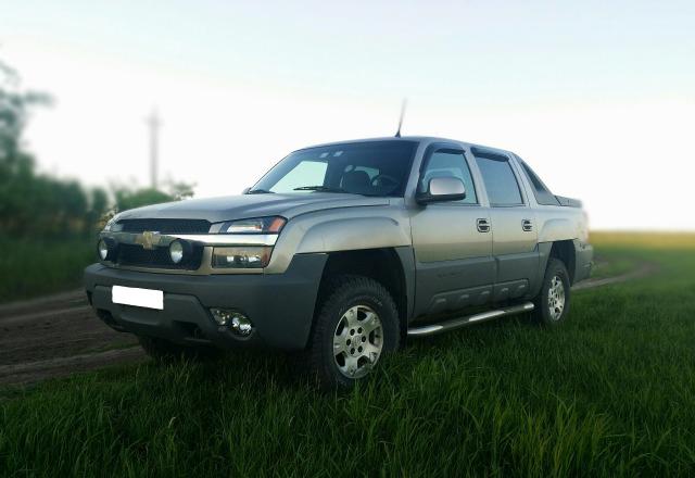 Купить Дефлекторы боковых окон Chevrolet Avalanche I (2001-2006)