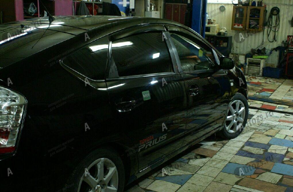 Дефлекторы боковых окон Toyota Prius III (ZVW30/35) (2009-2011)Дефлекторы боковых окон<br>Дефлекторы боковых окон индивидуальны для каждого автомобиля. Продукция изготовлена с помощью точного компьютерного оборудования и новейших технологий. Дефлекторы окон блокируют сильный ветер, бурный поток во...<br>