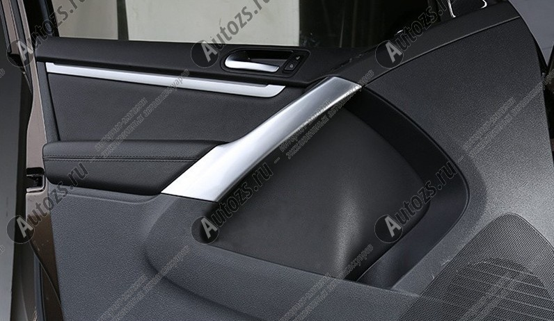 Декоративные накладки для панели дверей Volkswagen Tiguan 1 2007-2016 BХромированные накладки Volkswagen Tiguan<br>Декоратинвные молдинги используются для украшения панели приборов, салона и т.д.<br><br><br>Простая и легкая установка (все в комплекте):<br><br><br>Очистить поверхность, куда будут устанавливаться накладки.<br><br>Снять скочт с накла...<br>