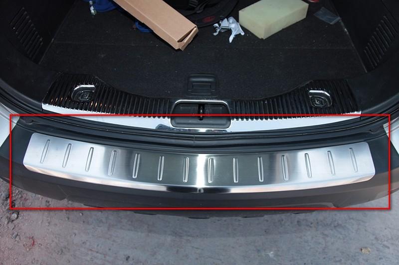 Накладка на задний бампер Opel Mokka 1 2012+Хромированные накладки Opel Mokka<br>Прочные накладки на бампер служат незаменимым аксессуаром для усовершенствования внешнего вида автомобиля и замены штатных деталей, выполненных из пластика и подверженных выходу из строя под действием внешних не...<br>