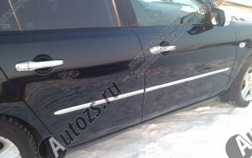 Хромированные накладки на двери Mazda 3 BK 2003-2009Хромированные накладки Mazda 3 <br>Молдинги относятся к наиболее распространенным элементам внешнего автомобильного тюнинга. Аксессуары выполняются в виде небольших выпуклых планок для декорирования автомобиля. Накладки на двери также служат для...<br>