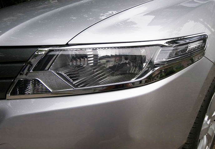 Хромированные накладки на фары Honda City 5 2008-2015Хромированные накладки Honda City<br>Установка накладок на фары является популярным среди автолюбителей способом внешнего тюнинга автомобилей. Стильные и надежные аксессуары не только служат оригинальными декоративными элементами дизайна, но и выпо...<br>
