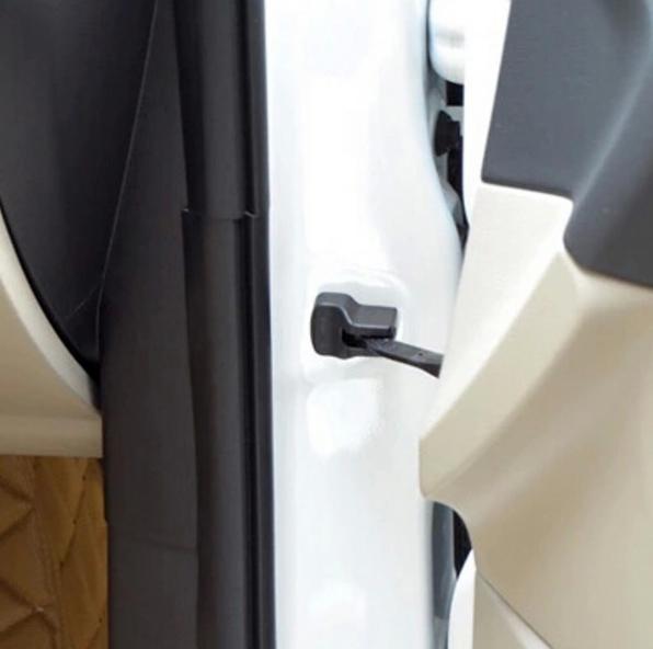 Накладки на кронштейн ограничителя открывания двери Mazda 3 BL 2009-2013Хромированные накладки Mazda 3 <br>Декоративный элемент автомобиля. Скрывает заводской кронштейн двери, защищает от загрязнения. Стильное и практичное дополнение Вашего автомобиля....<br>