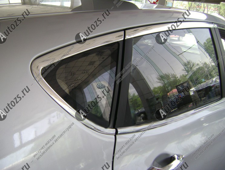 Молдинги окон Hyundai Solaris 1 2010+ хэтчбек (16 молдингов)Хромированные накладки Hyundai Solaris <br>Молдинги относятся к наиболее распространенным элементам внешнего автомобильного тюнинга. Аксессуары выполняются в виде небольших выпуклых планок для декорирования боковых окон автомобиля. Накладки на окна двер...<br>