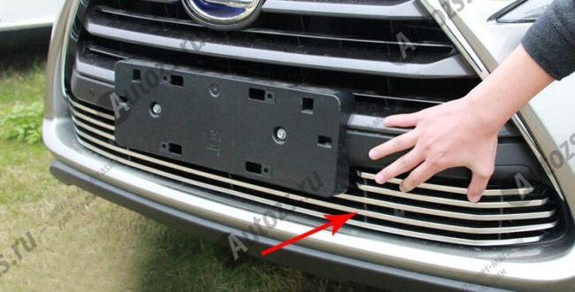 Хром решетка радиатора Lexus NX 2014+ нижняя