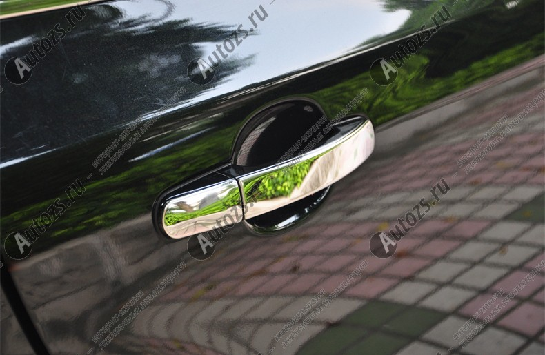 Накладки на дверные ручки Ford Kuga 2 2013+ стальныеХромированные накладки Ford Kuga<br>Хромированные аксессуары используются для установки на ручки дверей и декоративного оформления других деталей кузова автомобиля. Накладки также выполняют защитную функцию, предотвращая возникновения мелких цара...<br>