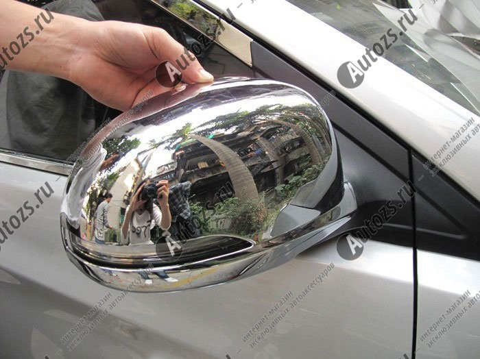 Накладки на зеркала заднего вида Hyundai Solaris (Verna) 2010-2014Хромированные накладки Hyundai Solaris <br>Обратите ВНИМАНИЕ на форму зеркал!<br><br><br>Использование накладок на зеркала придает автомобилю оригинальный и презентабельный вид, эффектно выделяя его из общего потока транспорта. Кроме того, плавные изгибы накладок п...<br>
