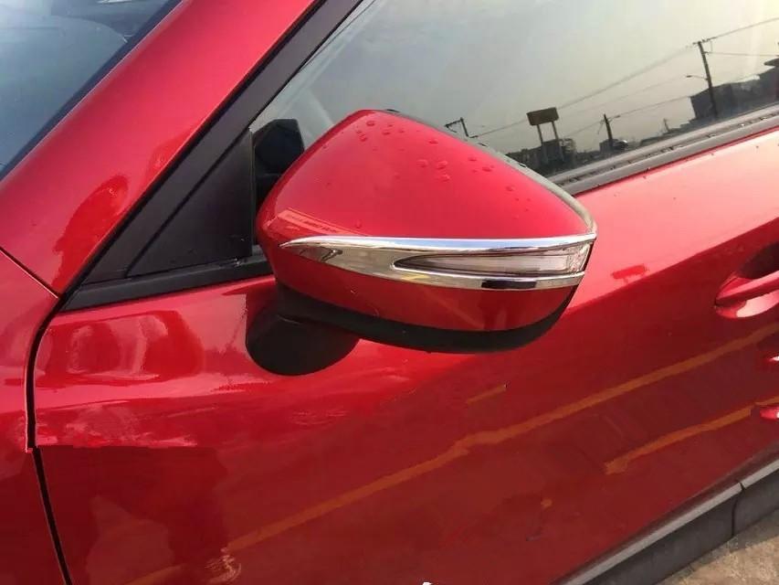 Накладки на зеркала заднего вида Mazda CX-5 1 2015+ BХромированные накладки Mazda CX-5<br>Использование накладок на зеркала придает автомобилю оригинальный и презентабельный вид, эффектно выделяя его из общего потока транспорта. Кроме того, плавные изгибы накладок повышают обтекаемость и улучшают аэро...<br>