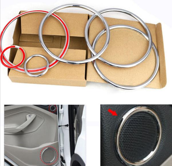 Декоративные накладки на дверные динамики Ford Kuga 2 2013+Хромированные накладки Ford Kuga<br>Декоратинвные молдинги используются для украшения панели приборов, салона и т.д.<br><br><br>Простая и легкая установка (все в комплекте):<br><br><br>Очистить поверхность, куда будут устанавливаться накладки.<br><br>Снять скочт с накла...<br>